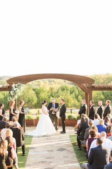 white-black-and-green-wedding-at-stone-crest-venue-10
