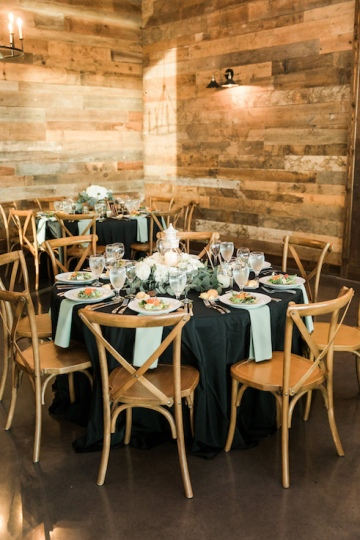 white-black-and-green-wedding-at-stone-crest-venue-17