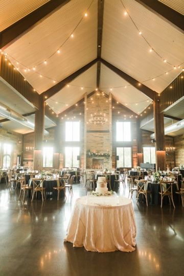 white-black-and-green-wedding-at-stone-crest-venue-21
