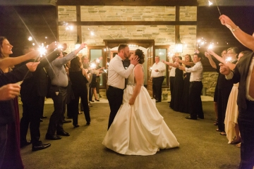 white-black-and-green-wedding-at-stone-crest-venue-24