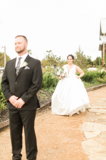 white-black-and-green-wedding-at-stone-crest-venue-04