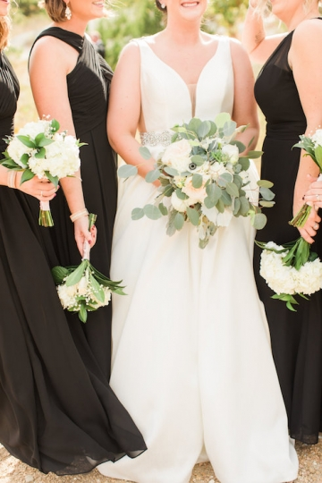 white-black-and-green-wedding-at-stone-crest-venue-15