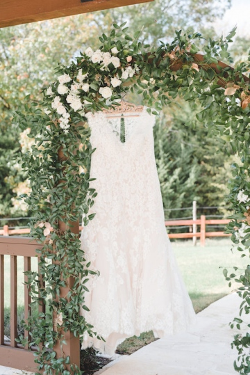 gold_and_green_wedding_at_the_springs_mckinney_03