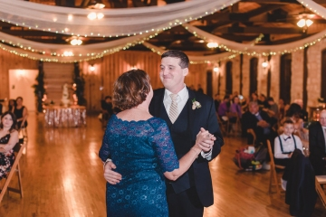 gold_and_green_wedding_at_the_springs_mckinney_33