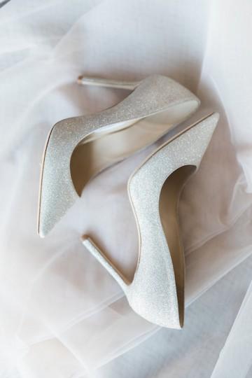 sage_and_peach_garden_wedding_at_maire_gabrielle_in_dallas_texas_02