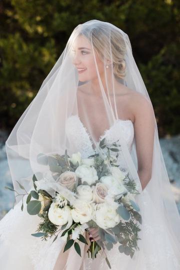 sage_and_peach_garden_wedding_at_maire_gabrielle_in_dallas_texas_09