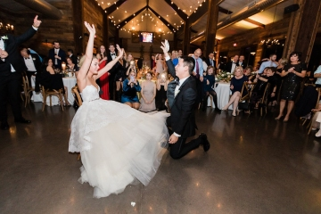 sage_and_peach_garden_wedding_at_maire_gabrielle_in_dallas_texas_57