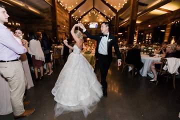 sage_and_peach_garden_wedding_at_maire_gabrielle_in_dallas_texas_59