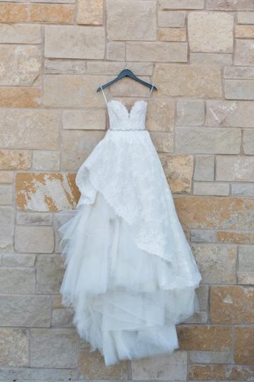 sage_and_peach_garden_wedding_at_maire_gabrielle_in_dallas_texas_01