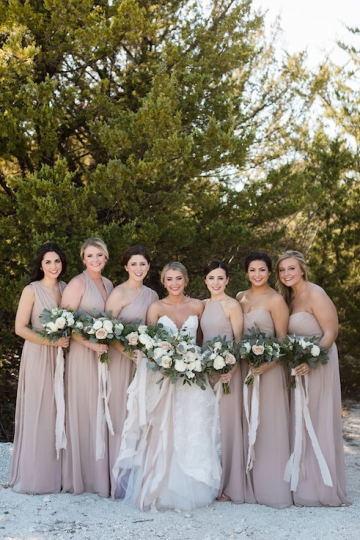 sage_and_peach_garden_wedding_at_maire_gabrielle_in_dallas_texas_05