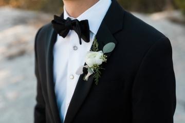 sage_and_peach_garden_wedding_at_maire_gabrielle_in_dallas_texas_16