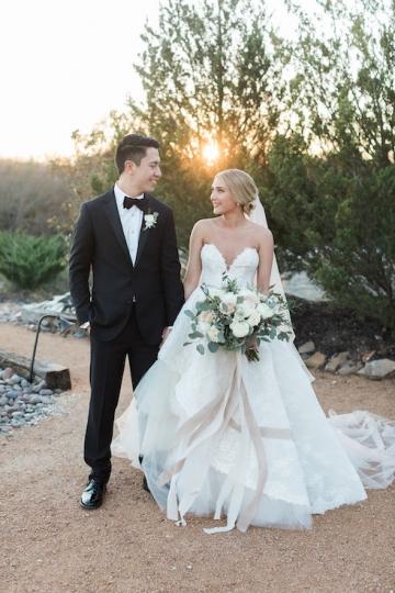 sage_and_peach_garden_wedding_at_maire_gabrielle_in_dallas_texas_32