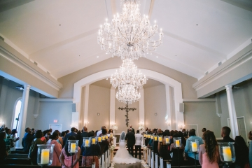 white-and-champagne-sparkle-wedding-at-piazza-in-the-village-10