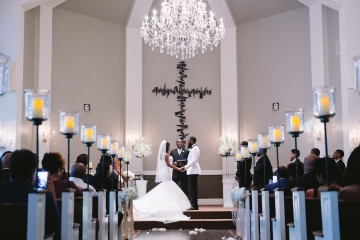 white-and-champagne-sparkle-wedding-at-piazza-in-the-village-11