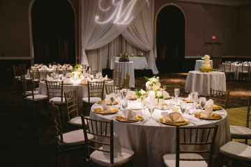 white-and-champagne-sparkle-wedding-at-piazza-in-the-village-20