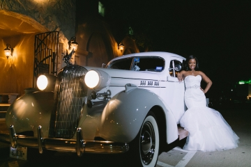 white-and-champagne-sparkle-wedding-at-piazza-in-the-village-26