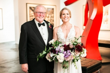 modern-maroon-mauve-wedding-at-samuel-lynne-galleries-and-howell-and-dragon-in-dallas-texas-10