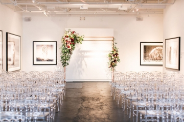 modern-maroon-mauve-wedding-at-samuel-lynne-galleries-and-howell-and-dragon-in-dallas-texas-17