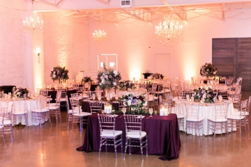 modern-maroon-mauve-wedding-at-samuel-lynne-galleries-and-howell-and-dragon-in-dallas-texas-22