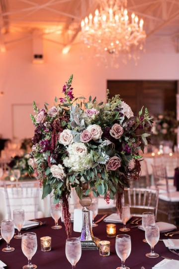 modern-maroon-mauve-wedding-at-samuel-lynne-galleries-and-howell-and-dragon-in-dallas-texas-23