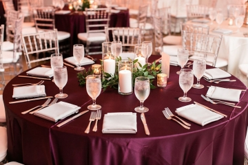 modern-maroon-mauve-wedding-at-samuel-lynne-galleries-and-howell-and-dragon-in-dallas-texas-25