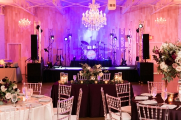 modern-maroon-mauve-wedding-at-samuel-lynne-galleries-and-howell-and-dragon-in-dallas-texas-27