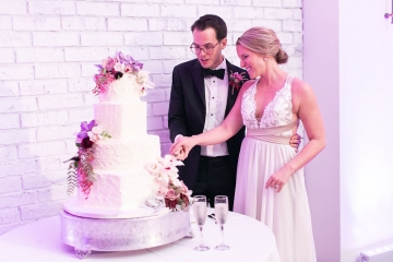 modern-maroon-mauve-wedding-at-samuel-lynne-galleries-and-howell-and-dragon-in-dallas-texas-33