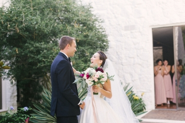 pink_and_burgundy_wedding_at_the_stonegate_mansion_09