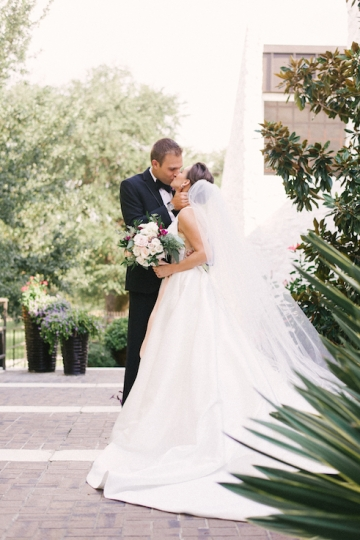 pink_and_burgundy_wedding_at_the_stonegate_mansion_10