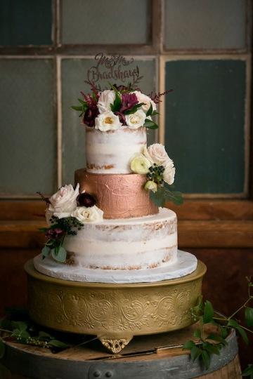 modern_rustic_wedding_at_cotton_mill_in_mckinney_texas_21