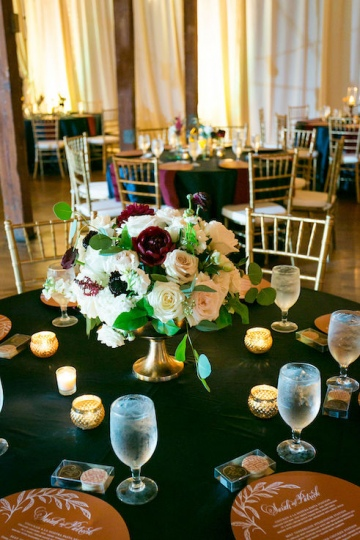 modern_rustic_wedding_at_cotton_mill_in_mckinney_texas_33