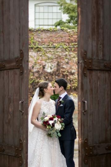 modern_rustic_wedding_at_cotton_mill_in_mckinney_texas_15