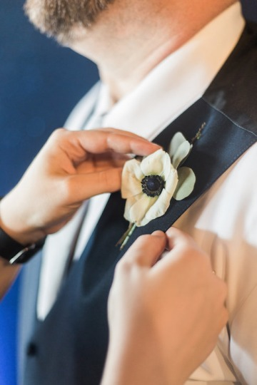 blue-and-gold-over-the-moon-wedding-at-hickory-street-annex-06