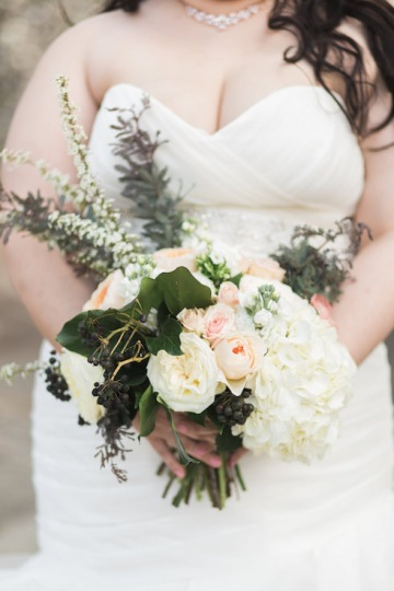blue-and-gold-over-the-moon-wedding-at-hickory-street-annex-09