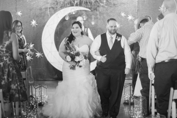 blue-and-gold-over-the-moon-wedding-at-hickory-street-annex-17