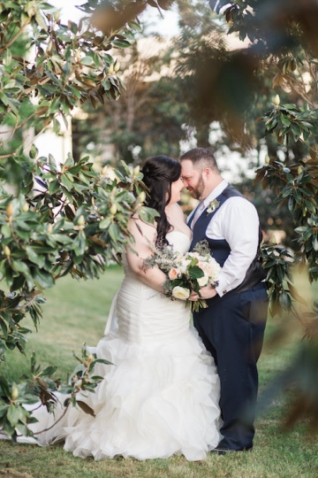 blue-and-gold-over-the-moon-wedding-at-hickory-street-annex-22