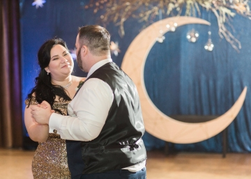 blue-and-gold-over-the-moon-wedding-at-hickory-street-annex-32