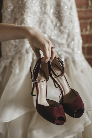 burgundy-blush-and-copper-vintage-industrial-wedding-at-flour-mill-04