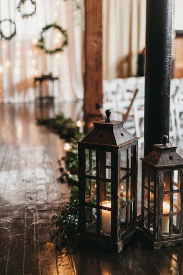 burgundy-blush-and-copper-vintage-industrial-wedding-at-flour-mill-15