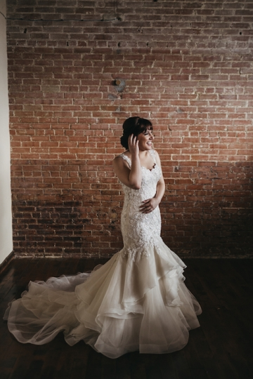 burgundy-blush-and-copper-vintage-industrial-wedding-at-flour-mill-05