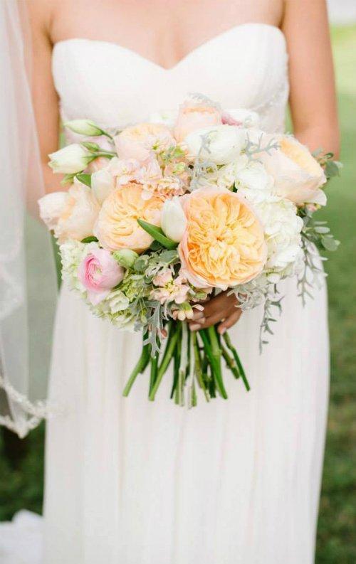 wedding floral,bridal bouquet,bride