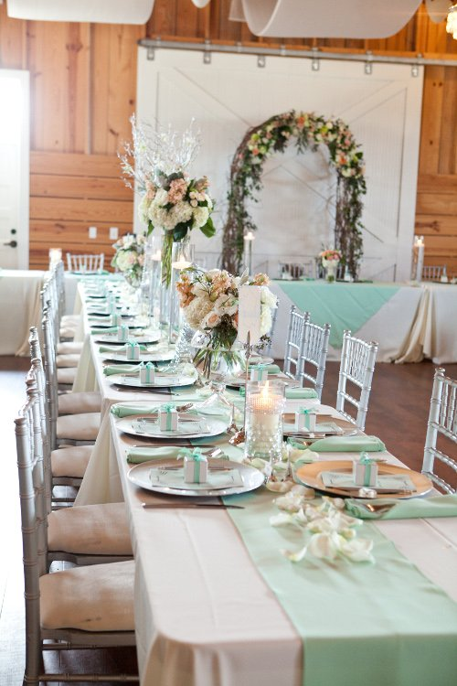 Colored napkins runners wedding tabletop