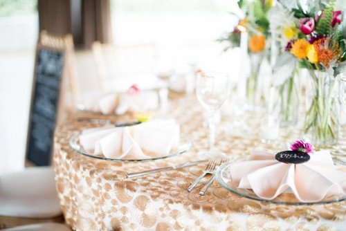 Clear glass charger wedding tabletop