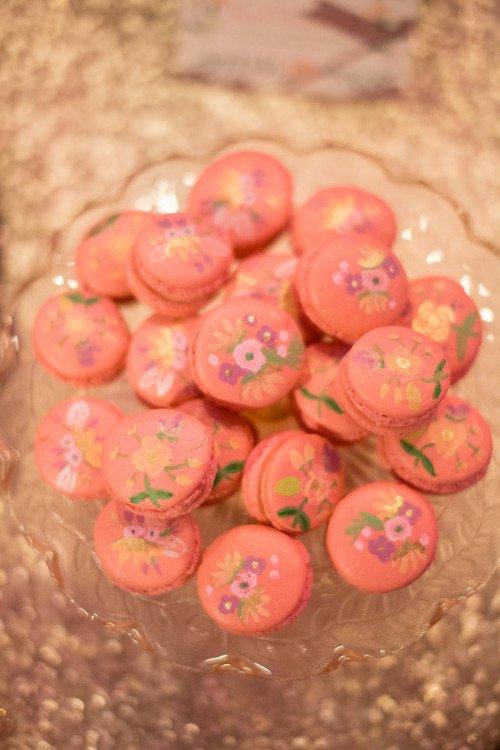 Cakestand macarons Ben Q Photography