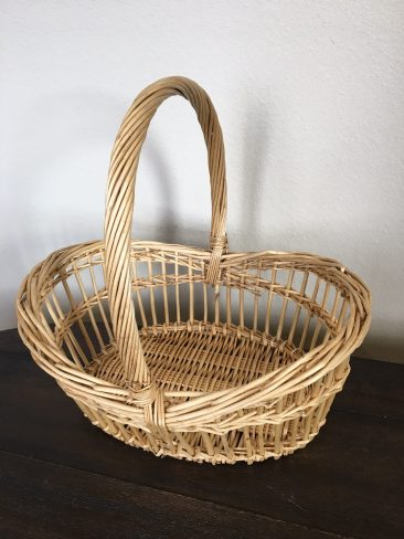 Light Brown Oval Basket with Handle (Tier One)