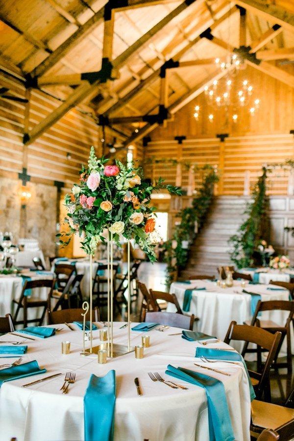 Barbaro Wedding - Emily Nicole Photo - Tablescape