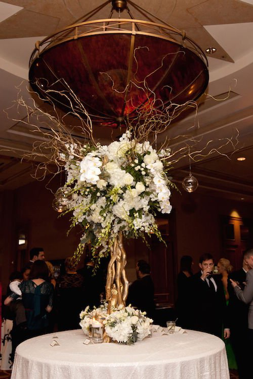 White Floral Tree - Escort Card Table - Leslie Spurlock Photography