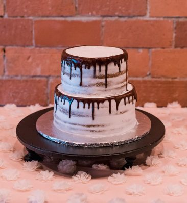 "Black Round Cake Stand 18"" (Tier One)"