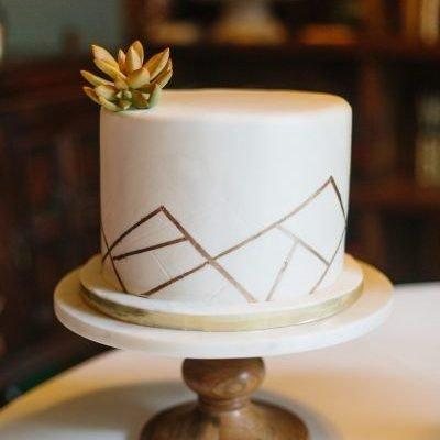 Collie Wedding - Apryl Ann Photography - Cake
