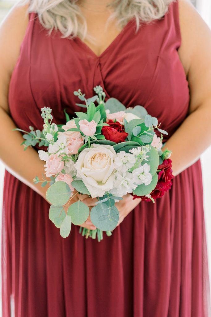 McKinney, Texas - Texas Outdoor Wedding - Each & Every Detail - Mauve & Burgundy Wedding - Lush Greenery Wedding - REd & Blush Bridesmaid Bouquet